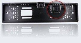 Kamera cofania w ramce tablicy rejestracyjnej